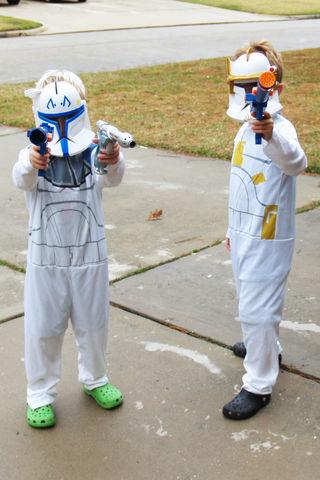 (12-08) Clone Troopers - 01